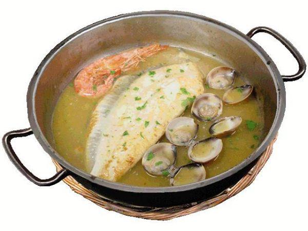 Filete-de-Rodaballo-con-Gambón-y-Almejas-a-la-Salsa-de-Marisco